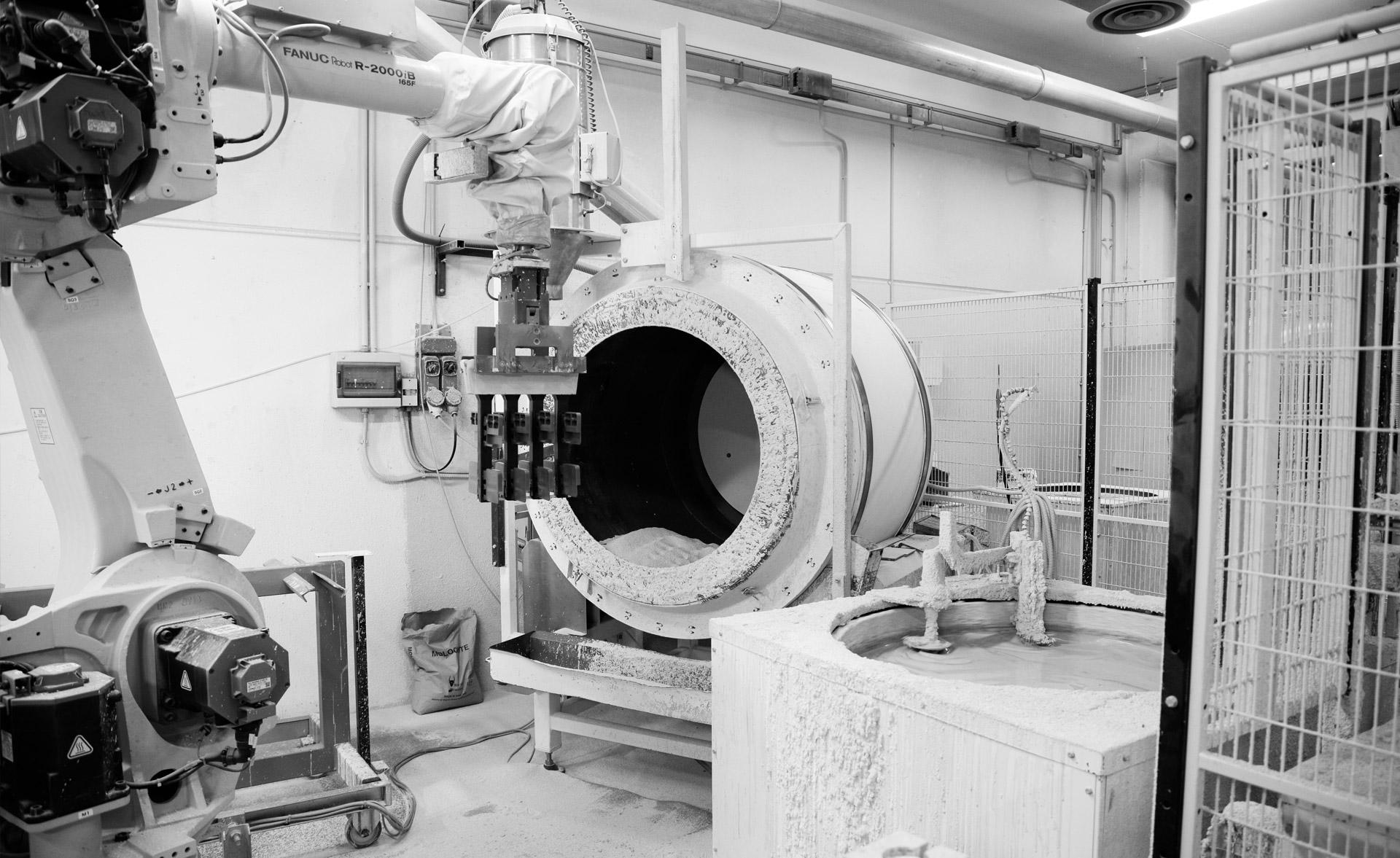 Calibe produce e vende cabine e box doccia su misura in cristallo e acciaio