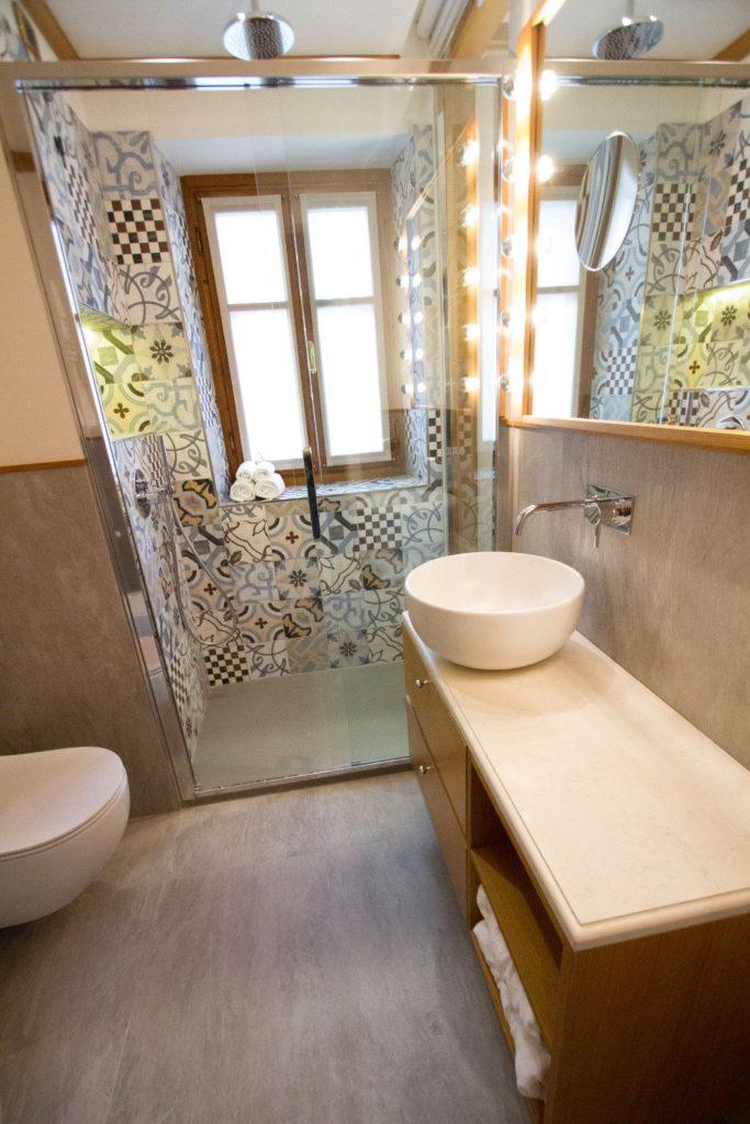 Contract alberghiero arredo bagno - Hotel Ambra Cortina